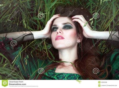 woman-grass-young-outdoors-fashion-portrait-style-boho-40902938